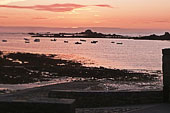 Guernsey : a sunset on Cobo bay